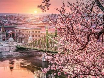 CAPITAL REAL ESTATE BUDAPEST NEWSLETTER - MAY 2019 HELPING YOU BUY AND SELL HUNGARIAN PROPERTY SINCE 2004